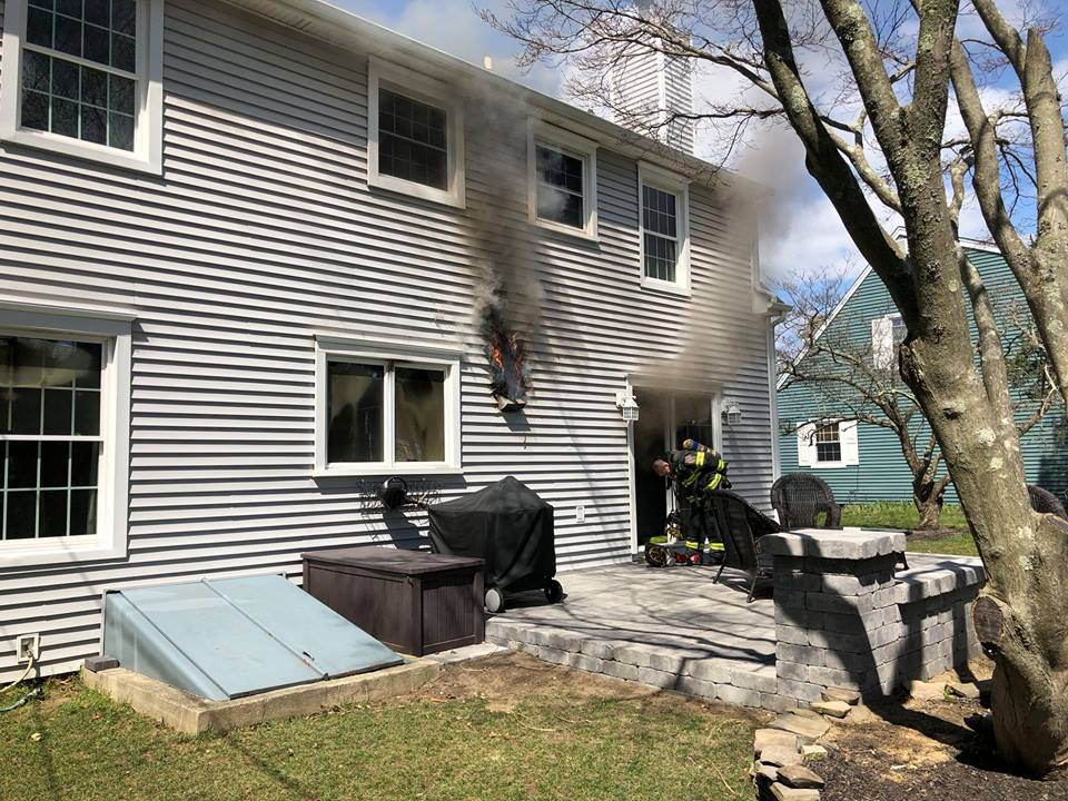 At 1230pm A Box Alarm Was Transmitted In District 3 (South Wall) For A  Possible Structure Fire.